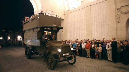 B2737 Menin Gate 20 Sept 14 1080 Copyright London Transport Museum