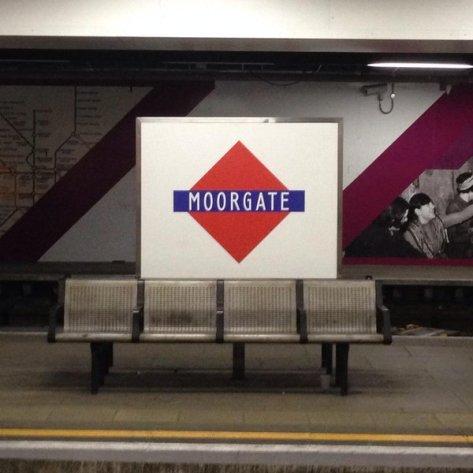 Moorgate Metropolitan Railway Tube Station Roundel