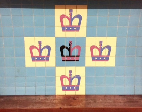 A quick stop to admire the tiles on the Victoria Line platforms. The tile motif here is by the remarkably prolific designer, Tom Eckersley - a cross of Kings.