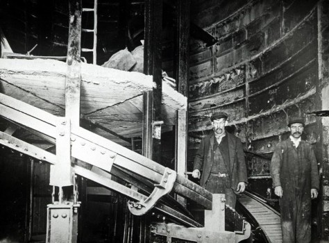 Construction of the spiral escalator at Holloway Road station, 1906